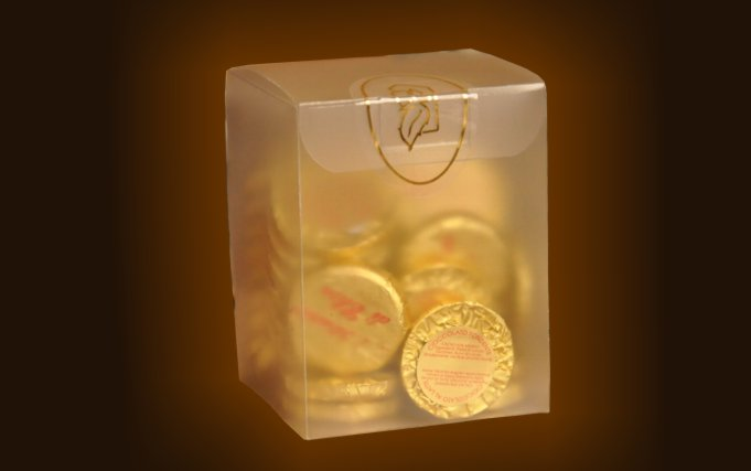 Glazed cube box containing 20 chocolate coins