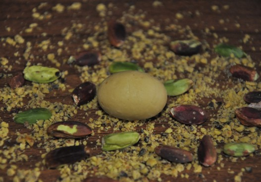 Pistachio little eggs