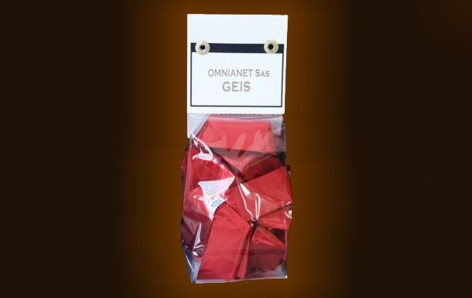 Pvc bag with personalized label containing gr. 150 gianduiotti.