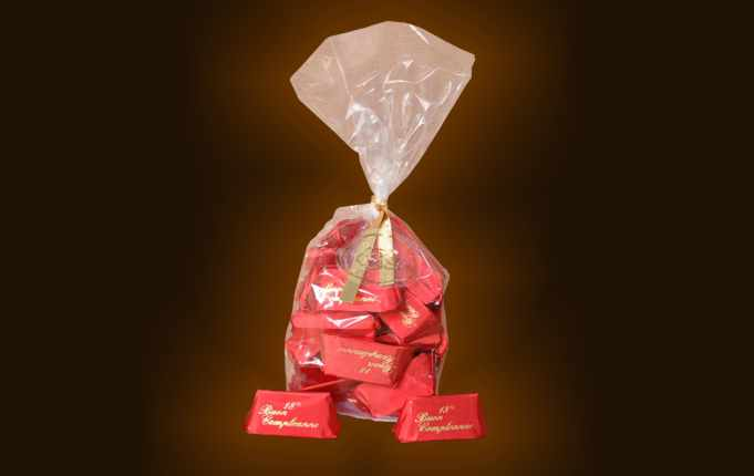 Transparent Pvc bag containing gr. 200 gianduiotti.